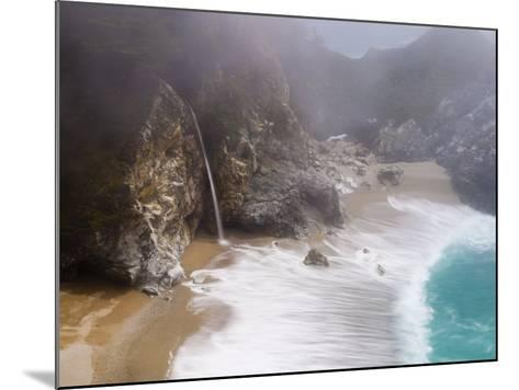California, Highway 1, Julia Pfeiffer Burns State Park, Mcway Waterfall, USA-Alan Copson-Mounted Photographic Print
