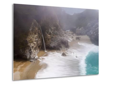 California, Highway 1, Julia Pfeiffer Burns State Park, Mcway Waterfall, USA-Alan Copson-Metal Print