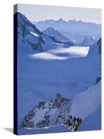 Chamonix-Mont-Blanc, French Alps, Haute Savoie, France-Gavin Hellier-Stretched Canvas Print