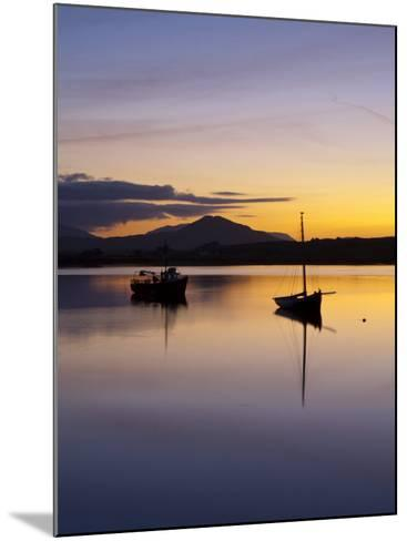 Roundstone Harbour, Connemara, Co, Galway, Ireland-Doug Pearson-Mounted Photographic Print