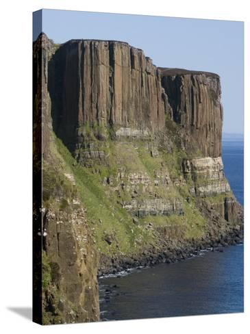 Kilt Rock, Skye, Inner Hebrides, Scotland, United Kingdom, Europe-Rolf Richardson-Stretched Canvas Print