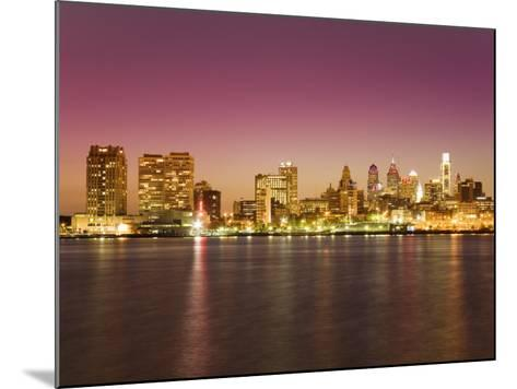 Philadelphia Skyline and Delaware River, Philadelphia, Pennsylvania-Richard Cummins-Mounted Photographic Print