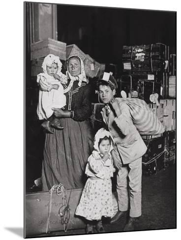 Italian Immigrants Arriving at Ellis Island, New York, 1905-Lewis Wickes Hine-Mounted Giclee Print