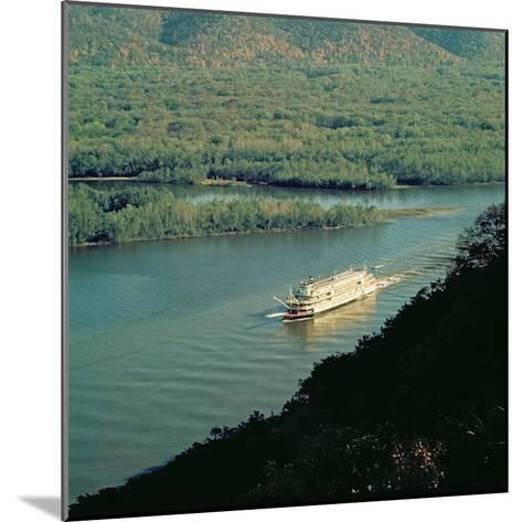 The 'Delta Queen', Mississippi River--Mounted Giclee Print