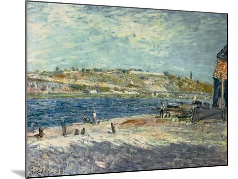 River Banks at Saint-Mammes, 1884-Alfred Sisley-Mounted Giclee Print