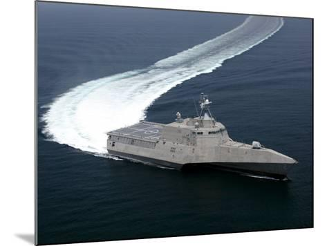 The Littoral Combat Ship Independence Underway During Builder's Trials in the Gulf of Mexico--Mounted Photographic Print