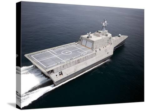 The Littoral Combat Ship Independence Underway During Builder's Trials in the Gulf of Mexico--Stretched Canvas Print