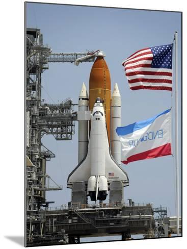 Space Shuttle Endeavour on the Launch Pad at Kennedy Space Center--Mounted Photographic Print
