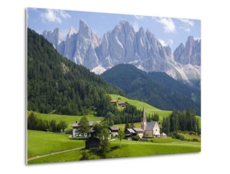 Parco Naturale Puez-Odle, Santa Maddalena, Val Di Funes, Dolomites, Bolzano, Italy-Ruth Tomlinson-Metal Print