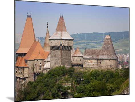 Gothic Carvin Castle, Hunedoara, Romania, Europe-Marco Cristofori-Mounted Photographic Print