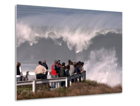 Spectators Line the Bluff at La Jolla Cove to Get a Good Look at the Large Surf in San Diego--Metal Print