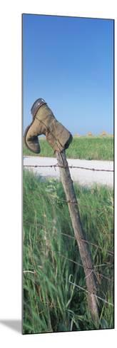 Cowboy Boot on a Fence, Pottawatomie County, Kansas, USA--Mounted Photographic Print