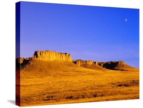 Rim Rock Formations Near Winnett, Montana, USA-Chuck Haney-Stretched Canvas Print