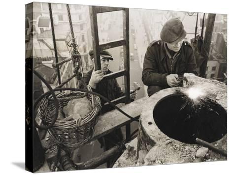 War Effort WWII-Robert Hunt-Stretched Canvas Print