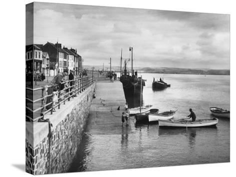 Appledore--Stretched Canvas Print