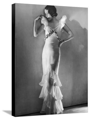 Elegant Woman, 1930s--Stretched Canvas Print