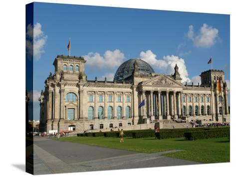 Front View of the Reichstag Building, Berlin, Germany--Stretched Canvas Print