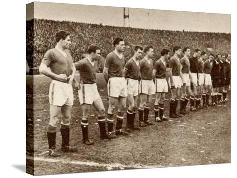 Manchester United Team before the Air Disaster at Munich--Stretched Canvas Print
