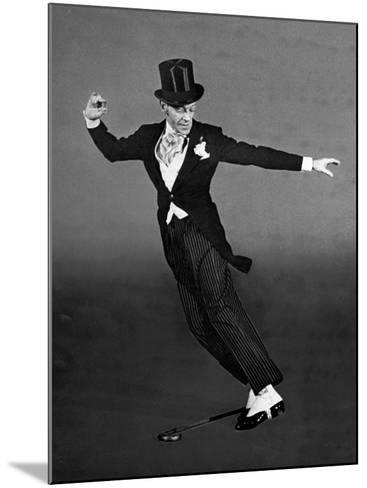 "Fred Astaire in Top Hat, Tails and Spats, Dancing ""Puttin' on the Ritz"" for ""Blue Skies""-Bob Landry-Mounted Premium Photographic Print"