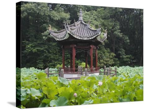 China, Pavilion and Lotus Pond-Keren Su-Stretched Canvas Print