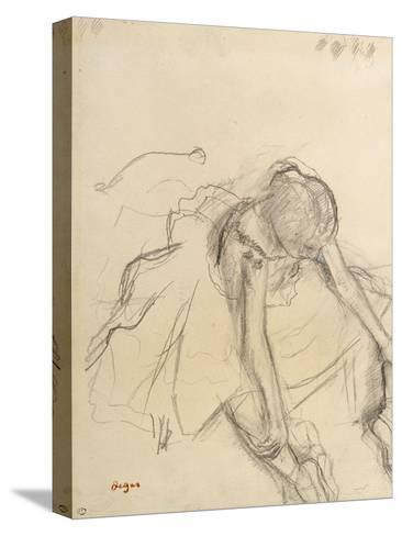 Danseuse assise, essayant ses pointes-Edgar Degas-Stretched Canvas Print
