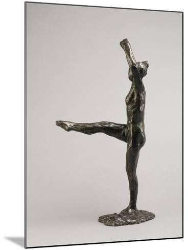 Danseuse, position de quatrième devant sur la jambe gauche, première étude-Edgar Degas-Mounted Giclee Print