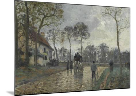 La diligence à Louveciennes (Yvelines)-Camille Pissarro-Mounted Giclee Print