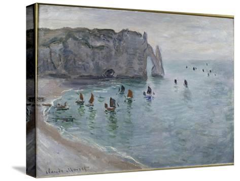 Etretat, la porte d'Aval : bateau de pêche sortant du port-Claude Monet-Stretched Canvas Print