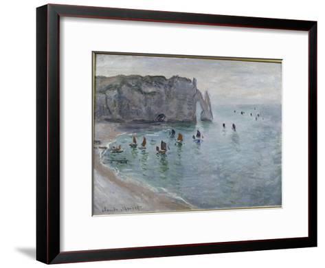 Etretat, la porte d'Aval : bateau de pêche sortant du port-Claude Monet-Framed Art Print