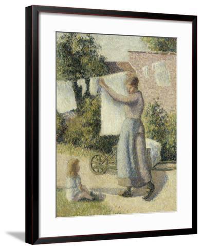 Femme étendant du linge-Camille Pissarro-Framed Art Print