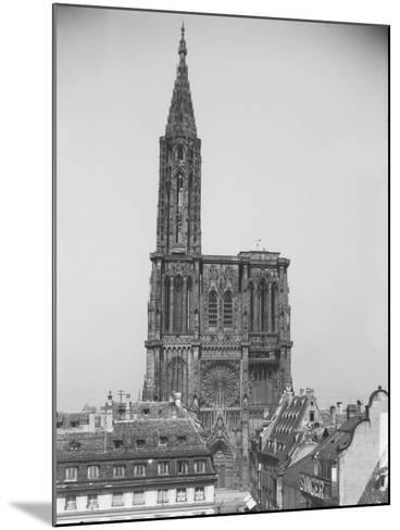 Façade de la cathédrale de Strasbourg--Mounted Giclee Print