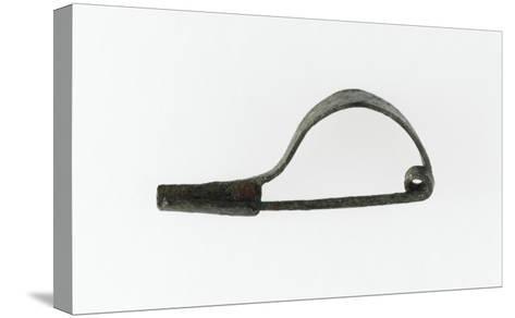 """Fibule à arc simple rubané, porte ardillon rectangulaire, à section à """"U""""--Stretched Canvas Print"""