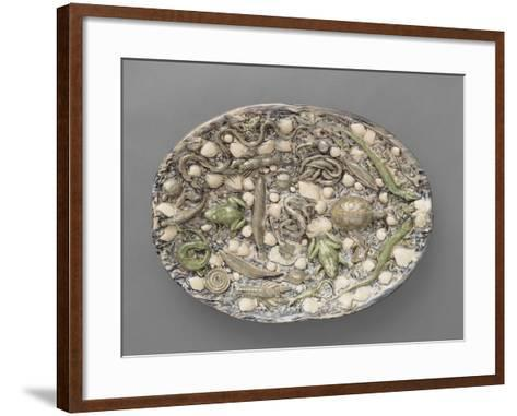 Plat ovaà bord ondulé, couleuvres, tortue, lézards, grenouil, poissons, étrilet coquillages-Bernard Palissy-Framed Art Print