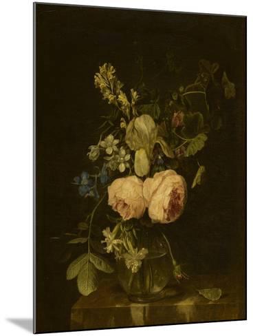 Fleurs dans un vase de verre sur une console de marbre--Mounted Giclee Print