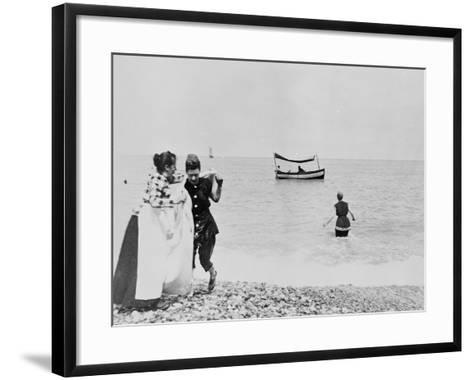 Plage--Framed Art Print