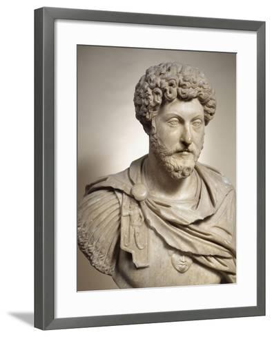 Buste cuirassé de l'empereur Marc Aurèle (empereur de 161-180 après J.C)--Framed Art Print