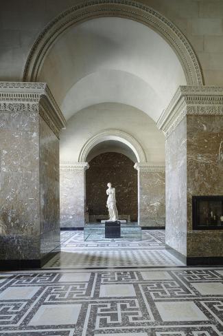Vue intérieure : Galerie de la Vénus de Milo--Stretched Canvas Print