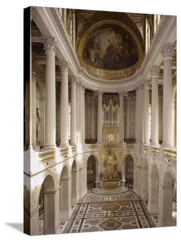 vue intérieure de la chapelle royale de Versailles en 1999--Stretched Canvas Print