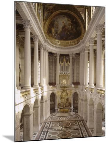 vue intérieure de la chapelle royale de Versailles en 1999--Mounted Giclee Print
