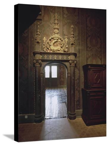 Intérieur : une vue de salle--Stretched Canvas Print