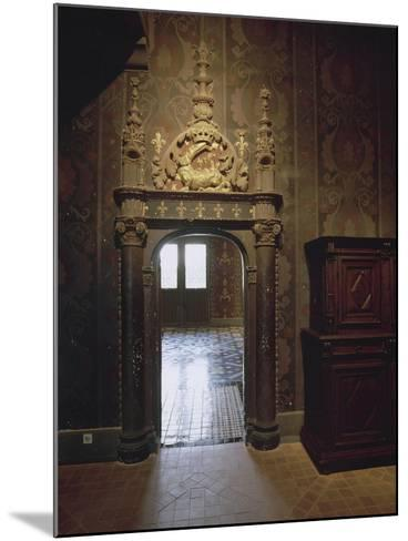 Intérieur : une vue de salle--Mounted Giclee Print