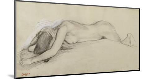 Femme nue allong?e sur le ventre, la t?te entre les bras-Edgar Degas-Mounted Giclee Print