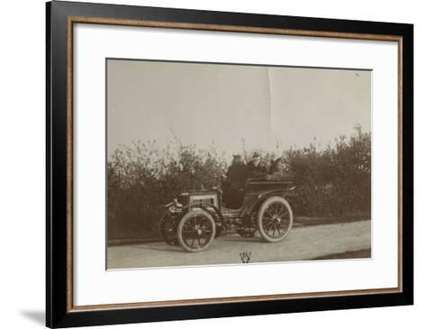 Album photographique : René de Knyff sur sa Panhard-et-Levassor en 1900--Framed Art Print