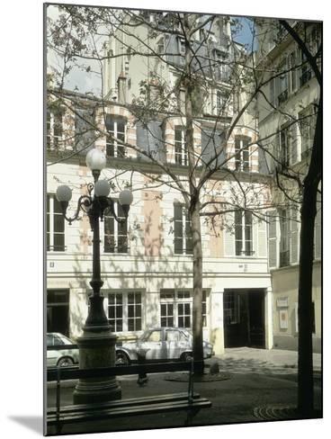 La place Fürstenberg : musée Delacroix--Mounted Giclee Print