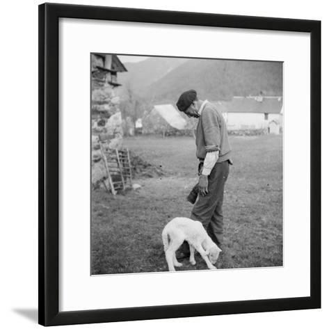 Berger et agneau--Framed Art Print