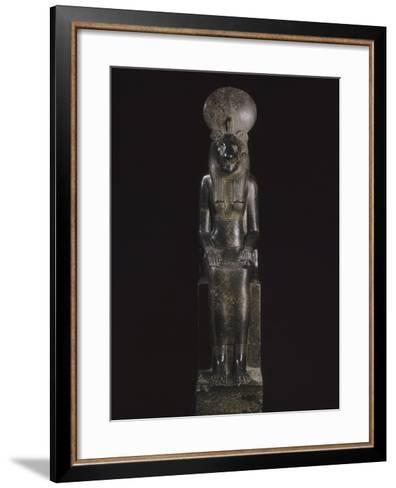 Statue de Sekhmet, déesse à tête de lionne--Framed Art Print
