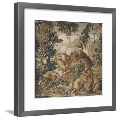 Tapisserie de la Suite des Indes : le Combat d'animaux.--Framed Art Print