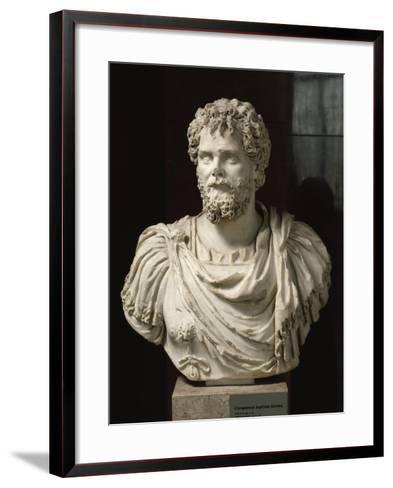 L'empereur Septime Sévère (empereur de 193-211 ap jc), buste cuirassé--Framed Art Print