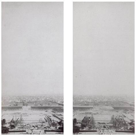 La construction de la Tour Eiffel vue de l'une des tours du Palais du Trocadéro-Théophile Féau-Stretched Canvas Print