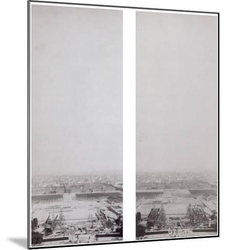 La construction de la Tour Eiffel vue de l'une des tours du Palais du Trocadéro-Théophile Féau-Mounted Giclee Print